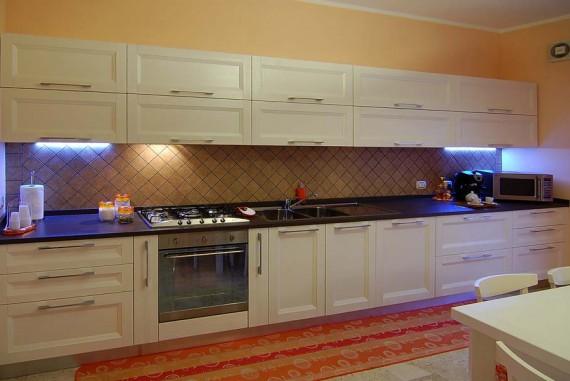 Cucina pino massello | SGN Arredi